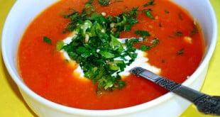 Zupa pomidorowa po grecku, to przepis, do którego wrócisz nie raz z przyjemnością!