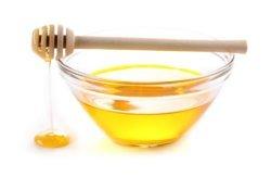 Miód zawiera cukry łatwo przyswajalne przez organizm, więc doskonale nadaje się jako składnik napojów izotonicznych.