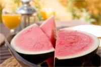 Arbuzy to doskonały składnik napojów chłodzących.