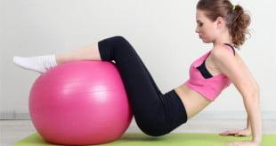 Body ball to świetne ćwiczenia rozciągające, odprężające, ale również cardio!