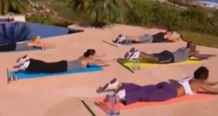 Melanie B z zespołu Spice Girls prezentuje zestaw ćwiczeń ujędrniających biust oraz wzmacniajace partie mięśni pleców.