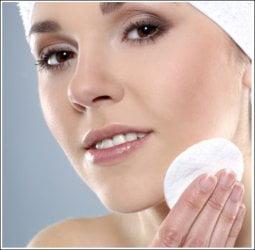 Glinka  kosmetyczna do twarzy pomoże wyleczyć większość dolegliwości skórnych.