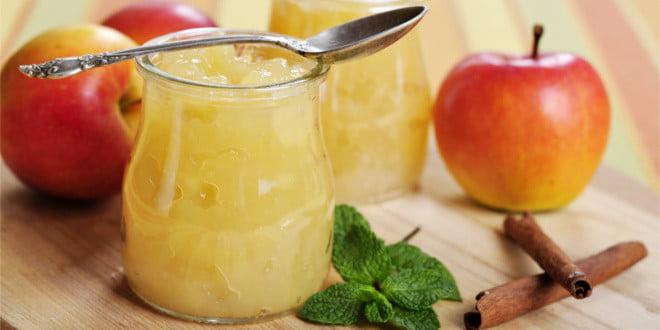 Lepiej skorzystać z przepisu i przygotować mus jabłkowy samej - wtedy na pewno wiesz, co się w nim znajduje.