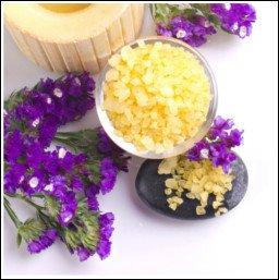 Składniki ekologicznych, naturalnych kosmetyków z łatwością wyszukasz w sieci.