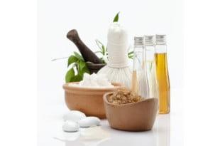 Naturalne maseczki na trądzik są doskonałym zastępstwem dla sklepowych kosmetyków.