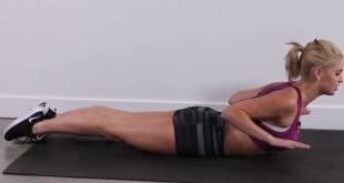 To kompletny zestaw ćwiczeń na plecy, który pomoże Ci zwalczyć fałdki i wysmuklić tę część ciała.