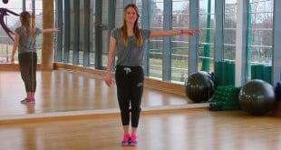 Zobacz jak prawidłowo wykonać podwójny step touch i heel back