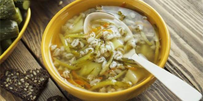 Jarska zupa ogórkowa z koperkiem- przepis