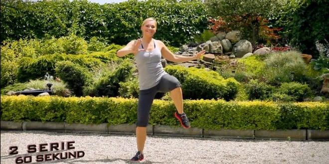 Prosty zestaw ćwiczeń, rozgrzewający organizm przed treningiem.