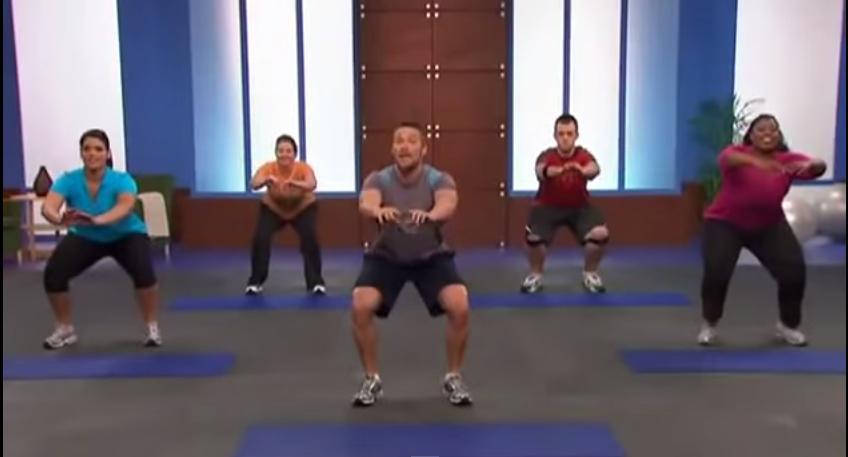 Skuteczny trening na redukcję kalorii i tłuszczu dla osób początkujących.