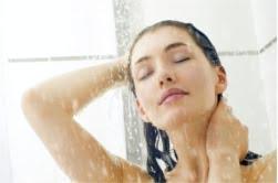 Zdecyduj się na zimną kąpiel (w lodzie) lub naprzemienne prysznice.