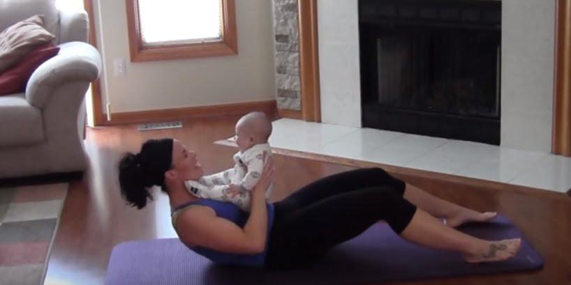 ćwiczenia na brzuch dla mamy z dzieckiem