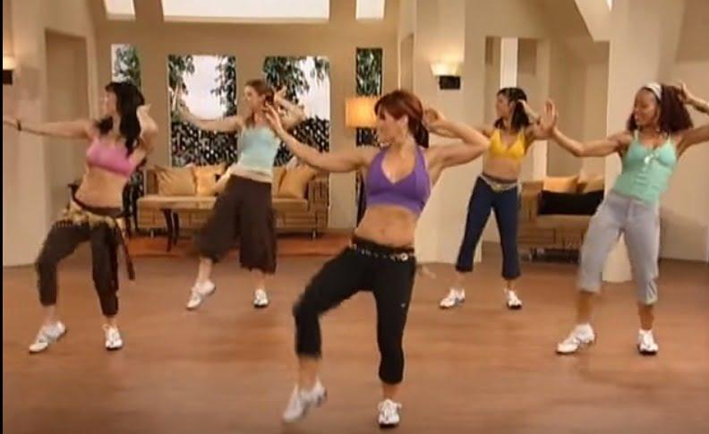 Spokojny i umiarkowany trening tańczący na brzuch