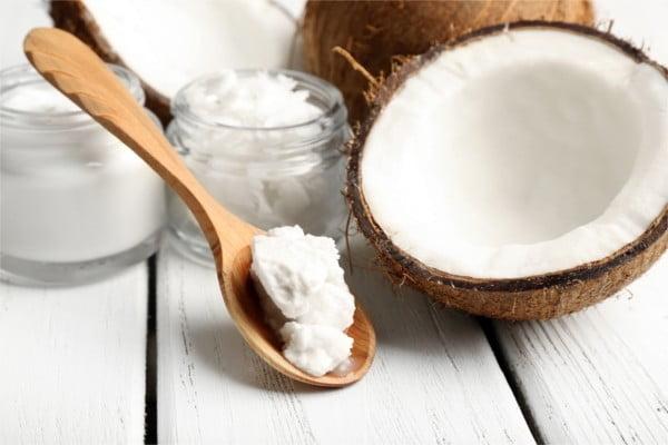 Olej kokosowy pomoże Ci w odchudzaniu.