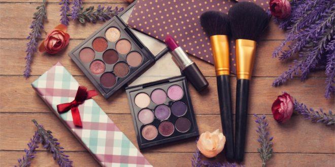 Jakie kosmetyki są idealne na jesień i zimę?
