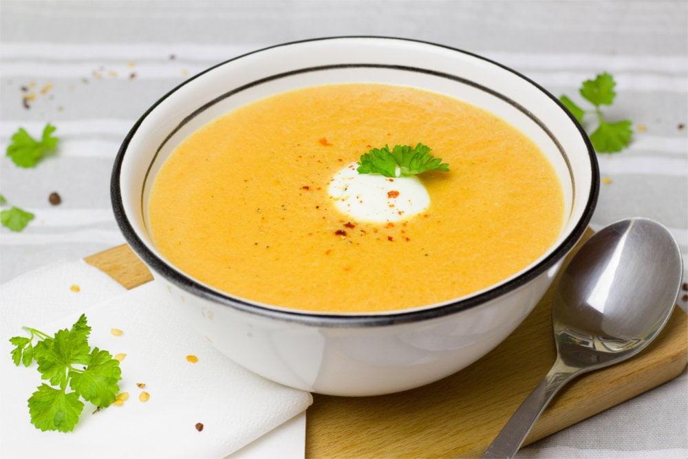Rozgrzewająca zupa krem pomoże Ci zwalczyć przeziębienie.
