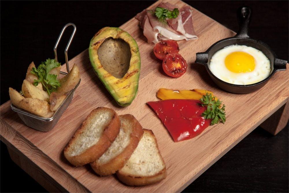 Zdrowe i sycące śniadanie pomoże Ci zwalczyć przeziębieniowe choróbska.