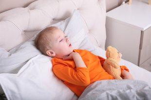 Jak sobie radzić z kaszlem u dzieci?
