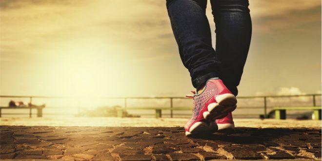 Jak spacerować by palić nadmierne kilogramy?
