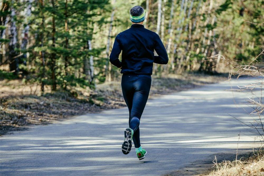 Załóż kamizelkę odblaskową jak biegasz - to dobry ruch!