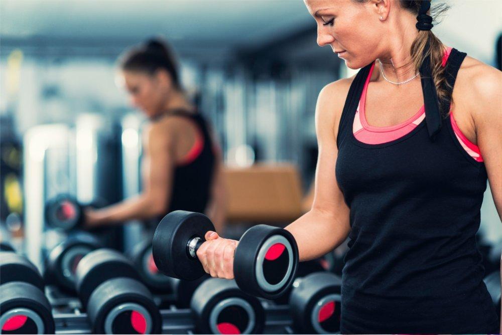 Ćwiczenia w klubie są lepsze od ćwiczeń przed monitorem.