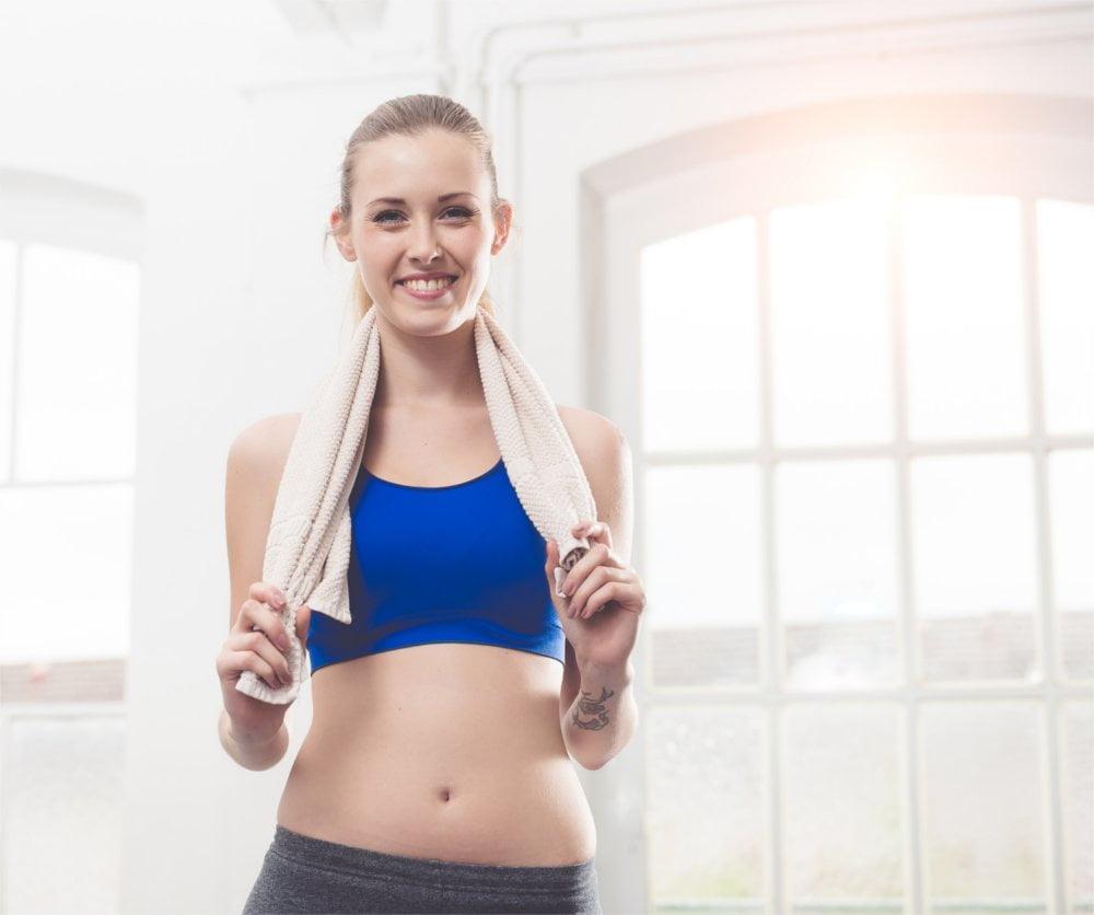 Stanik sportowy musi dociskać równomiernie obie piersi do ciała.