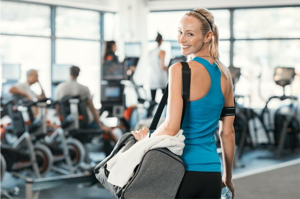 Panie, które mają duże piersi zdecydowanie powinny używać stanika sportowego.