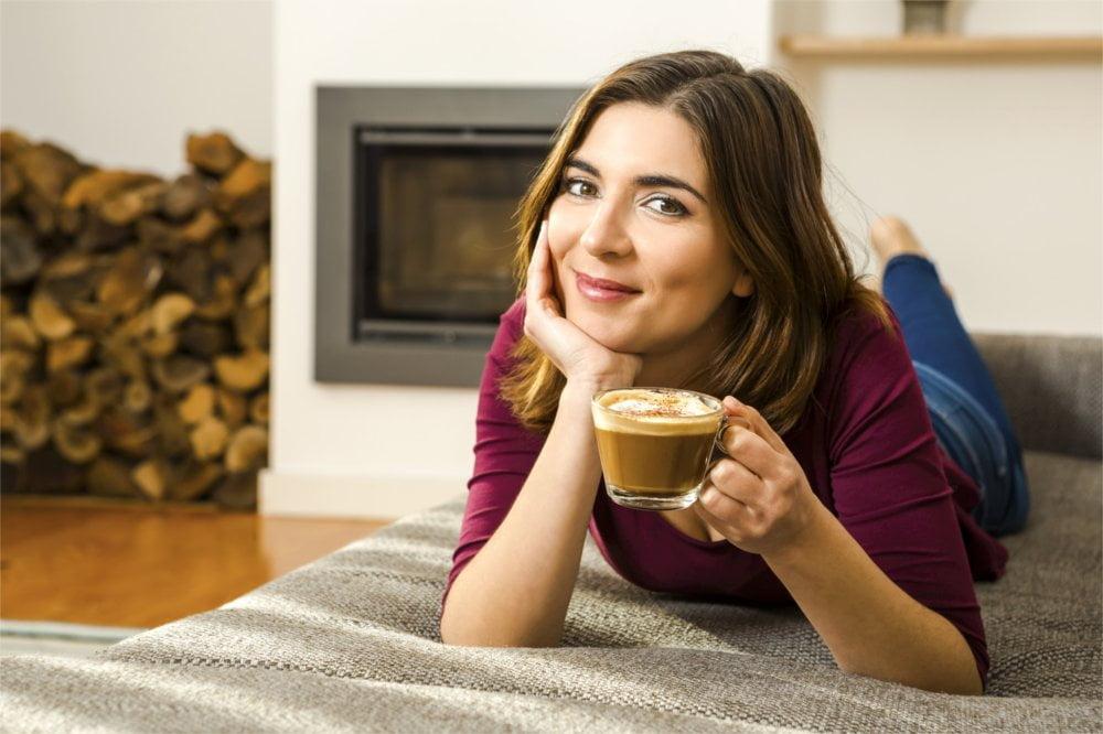 Doskonałym pomysłem na budowanie nawyku spokoju będzie filiżanka kawy.