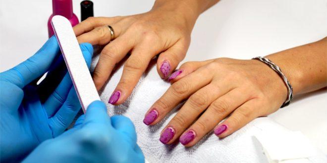 Jak bezpiecznie usunąć paznokcie hybrydowe?