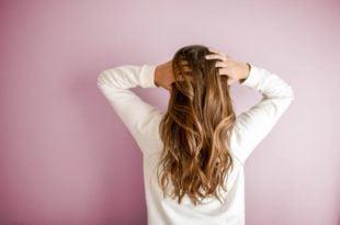 Co zrobić z wypadającymi włosami?