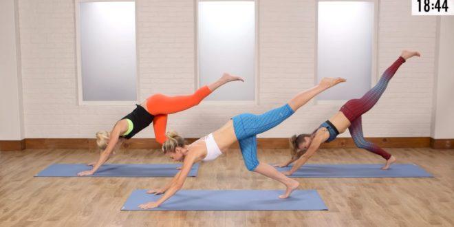 Trening w formie pilatesu wzmacniający mięśnie pleców oraz brzucha.