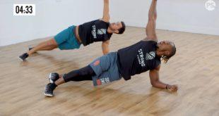 trening strong by zumba wzmacjniająvy górną część ciała.