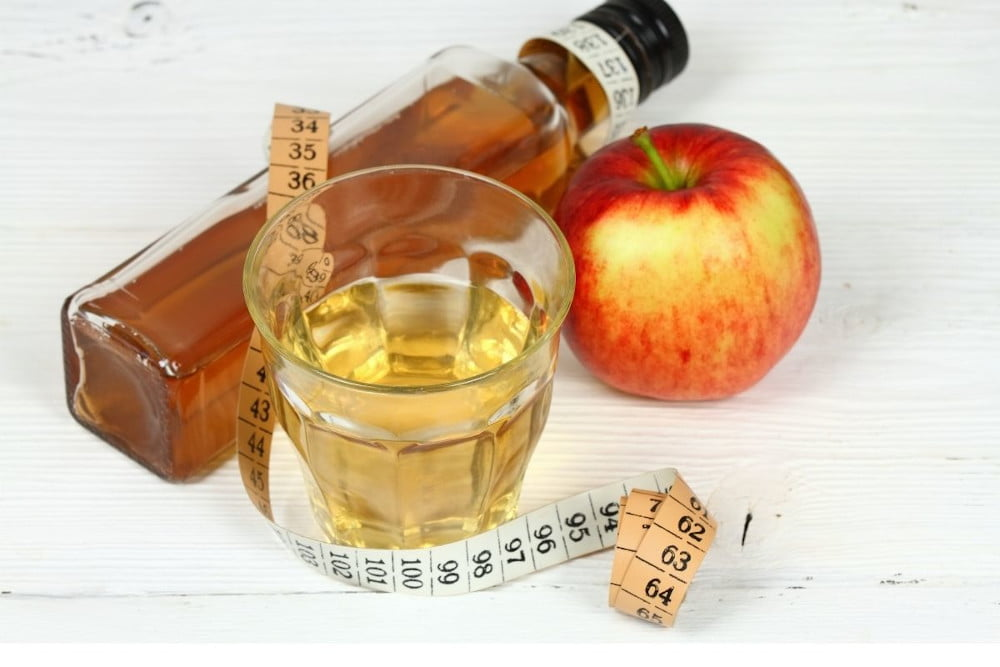 Ocet jabłkowy na odchudzanie. Efekty odchudzania będą szybciej widoczne dzięki dobrym właściwościom octu jabłkowego.