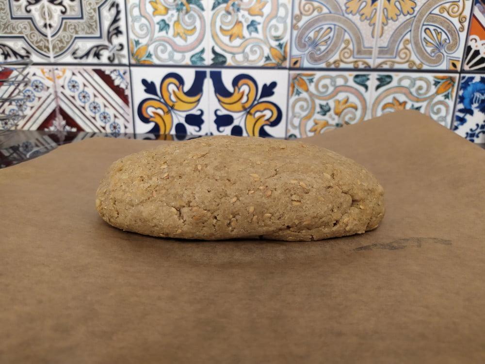 Chleb bogaty w proteiny jest doskonały do diety ketogenicznej.