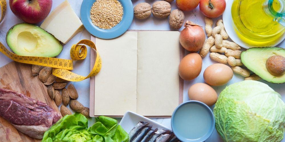 Co jeść w trakcie diety ketogenicznej? Pomysły na gotowy jadłospis.