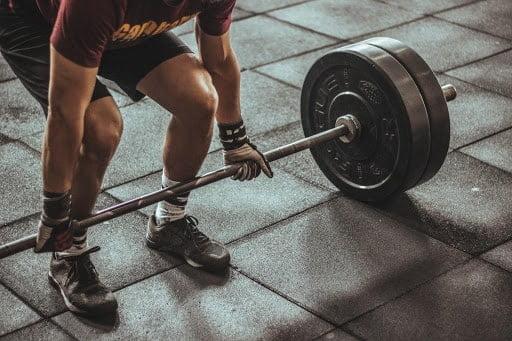 Ćwiczenia na masę można łączyć z treningiem na utratę tkanki tłuszczowej