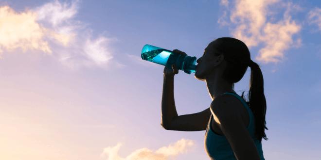 Jak często pić wodę w ciągu dnia i jaki ma wpływ na nasze zdrowie.