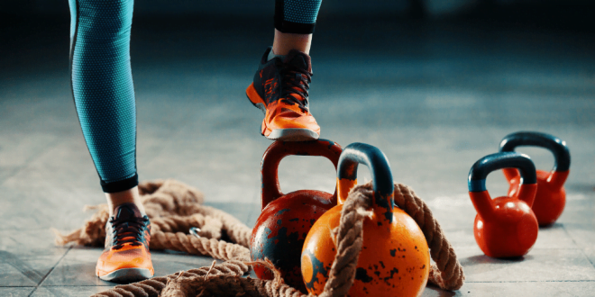 Jak często ćwiczyć brzuch żeby schudnąć? Podpowiadamy jaka jest najlepsza pora dnia na ćwiczenia.